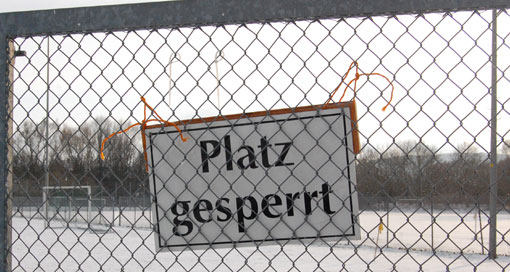 Kunstrasen-Schnee-Foto-Gesperrt